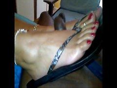 Branlette avec les pieds