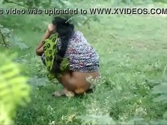 Tamil village aunty urine pass
